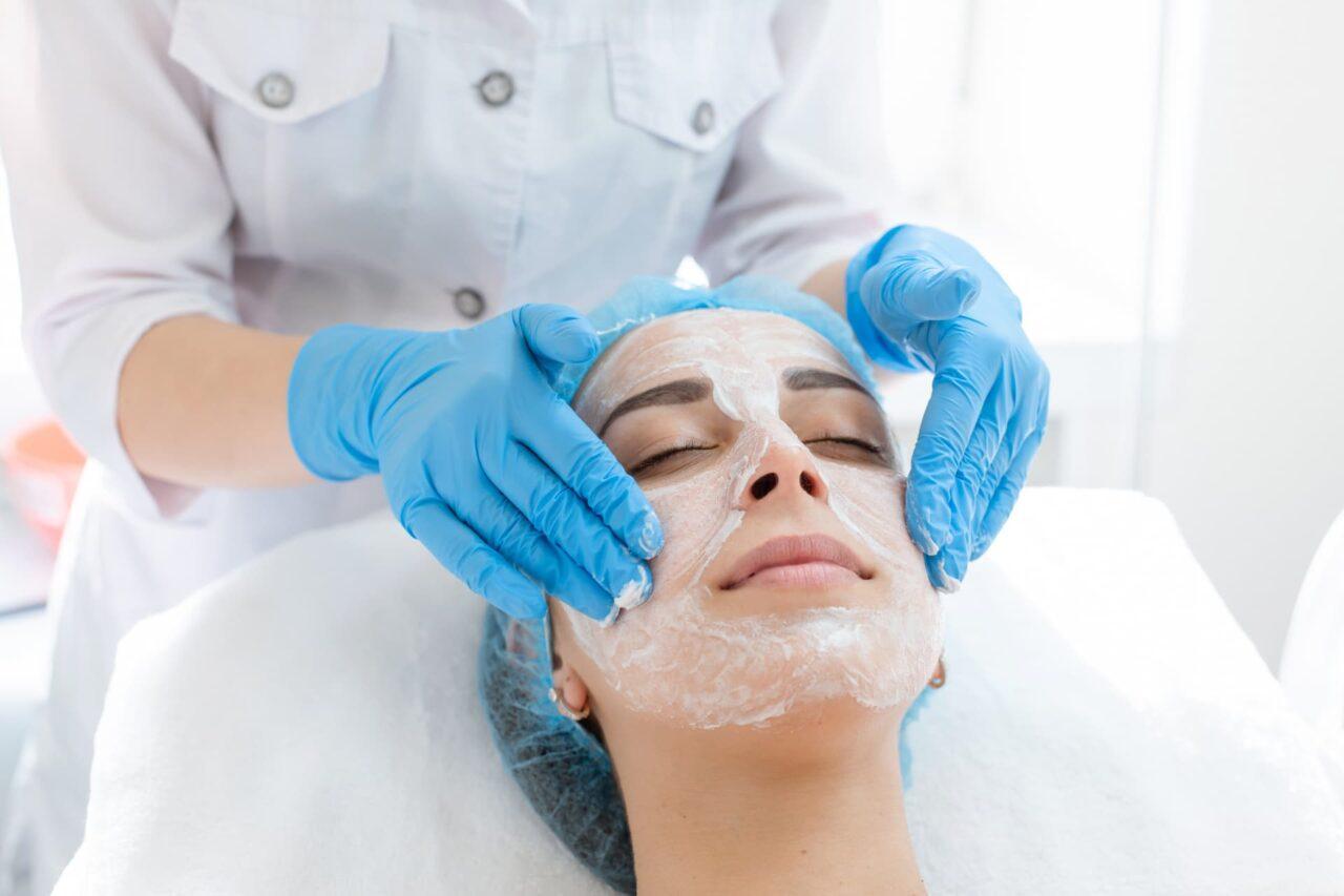 Facial Peel & Dermaplaning Combo